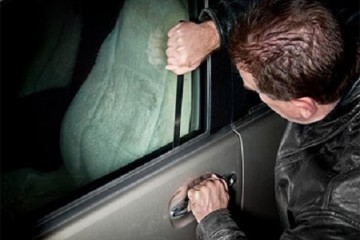 Dịch vụ mở khóa cửa – cốp xe ô tô